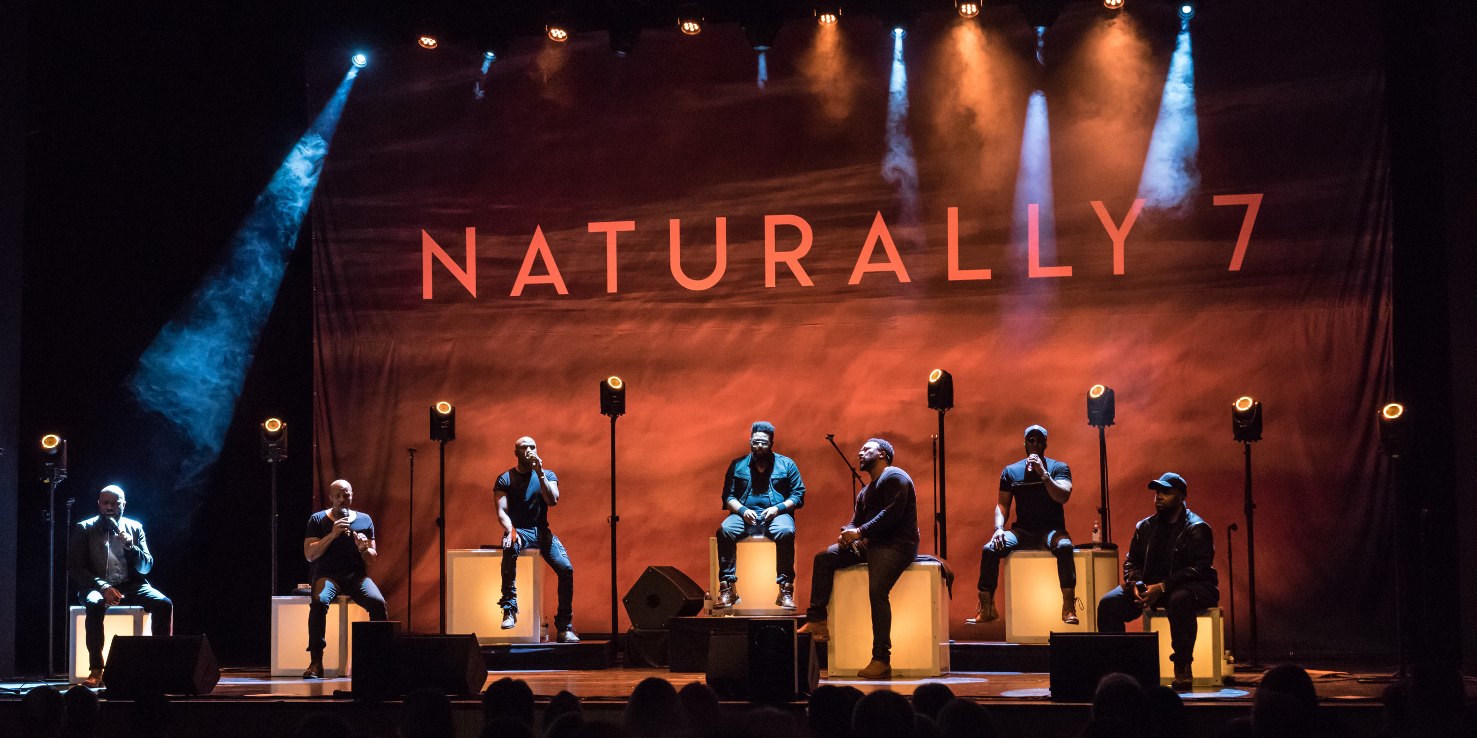Naturally 7 Tour Germany with Cameo Light and Gravity